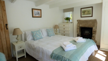 Cappy Cottage - main bedroom
